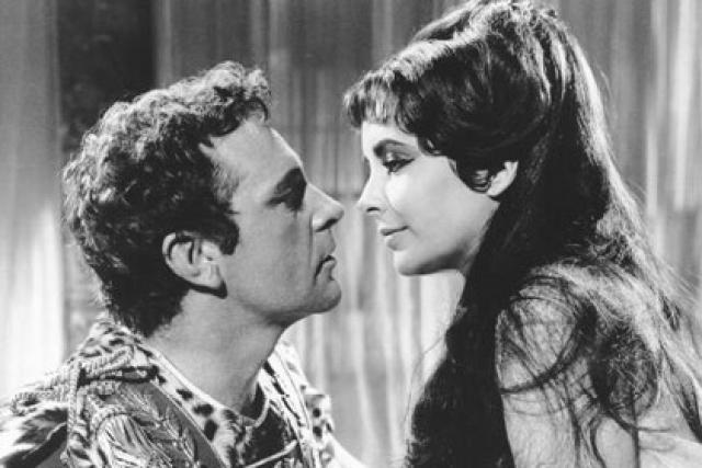 Перегрина. Звезда Голливуда Элизабет Тейлор и красавец-актер из Уэльса Ричард Бертон были легендарными любовниками, которые прошли через брак, развод, повторный брак и повторный развод.