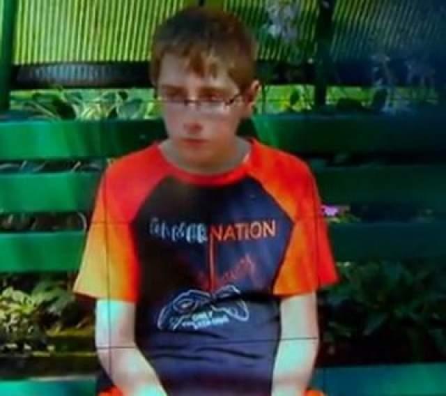 Мальчик из Сидар-Фолса почувствовал что-то странное, проснувшись утром 14 октября 2013 года. Он чувствовал головокружение и тяжесть в груди. Ренген выявил инфекцию в левом легком, которую с легкостью вылечили.