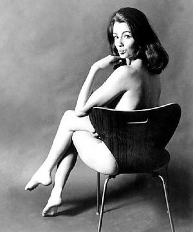 """Девушка получила прозвище Мата Хари 60-х годов, именно она спровоцировала политический скандал в Англии, получивший название """"Дела Профьюмо""""."""