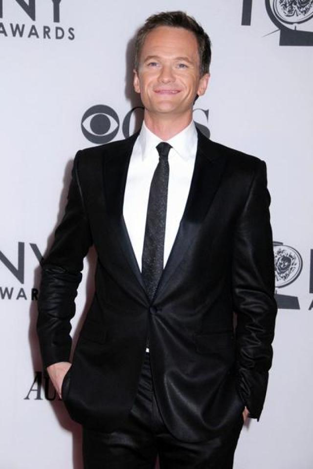 """Нил Патрик Харрис. 3 ноября 2006 года актер в интервью """"People"""" заявил: """"Я рад рассеять любые слухи или заблуждения, и я очень горд тем, что могу заявить: я всецело доволен образом жизни гея."""""""