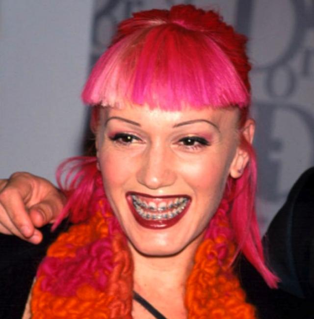 Группа No Doubt стала мега-популярной в 90-х, но кто бы мог предположить, что их солистка станет модным стилистом и одной из звезд с самым безупречным имиджем.