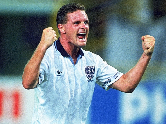 Легендарный английский футболист, звезда ЧМ-1990 Пол Гаскойн погубил карьеру своей любовью к выпивке и наркотикам.