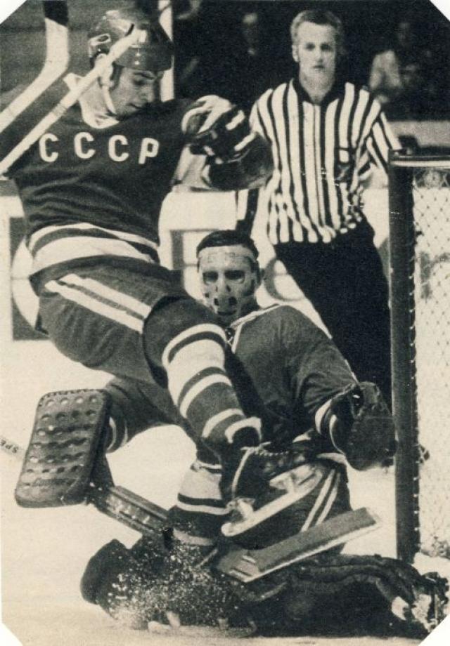 На похоронах не смогли присутствовать игроки сборной СССР, которые в тот момент находились в Виннипеге. Они провели собрание, на котором было решено во что бы то ни стало выиграть Кубок Канады. Советские хоккеисты выполнили свое обещание, обыграв в финале канадцев 8:1.
