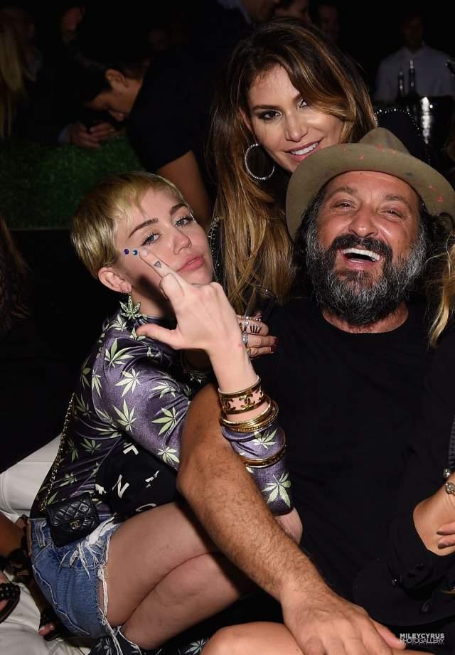 Это Майли в Hublot Haute Living Party в Майами в декабре 2014.
