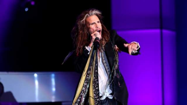 25 июня 2018 года Стивен Тайлер обьявил о роспуске группы Aerosmith после прощального тура , а москвичи до сих пор вспоминают историю, произошедшую в предверии концерта в Москве на Лубянской площади 5 сентября 2015 года.