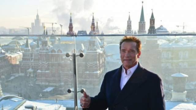 """Арнольд Шварценеггер. """"Я обожаю Москву, каждый раз посещаю ее с огромным удовольствием, там живут спортсмены, которыми я просто восхищаюсь, - Власов, Алексеев... я бы очень хотел навестить их снова..."""""""