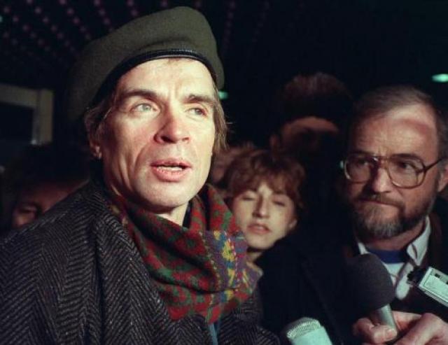 Не помог и курс лечения экспериментальным препаратом - азидотимидином. 6 января 1993 года в возрасте 54 лет Рудольф Нуриев умер.