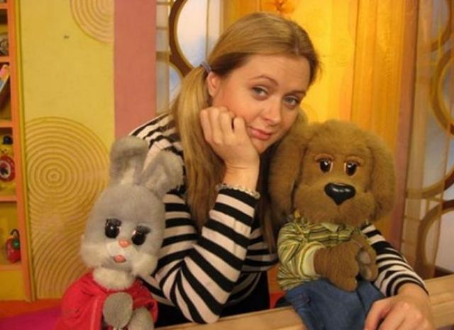 Тетя Аня. Программа пережила закрытие, а затем восстановление - с новой ведущей – Анной Михалковой.