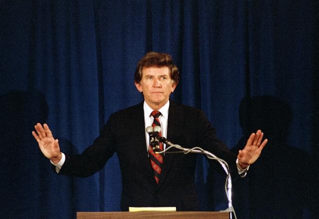 Гари Харт. В 1987 году сенатор штата Колорадо был фаворитом среди кандидатов в президенты от Демократической партии США.