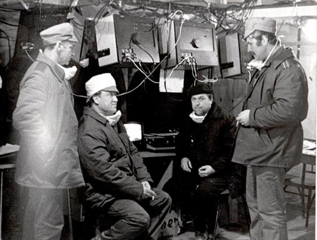 Именно он рассчитал возможность применения и разработал состав смеси, которой с самого первого дня забрасывали с вертолетов в зону реактора для предотвращения дальнейшего разогрева остатков реактора и уменьшения выбросов радиоактивных аэрозолей в атмосферу.