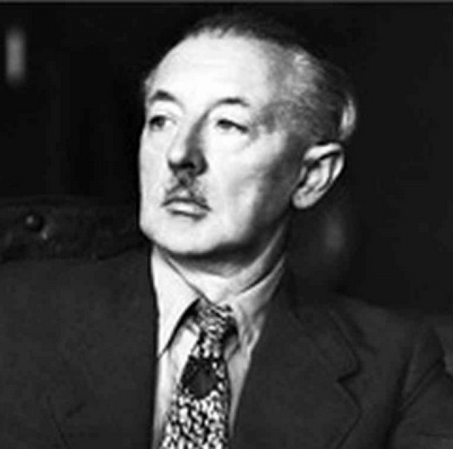 29 мая 1945 г. ван Меегерен был взят под стражу. После двух недель тюремного заключения он заявил, что на самом деле проданные им картины являются подделками.