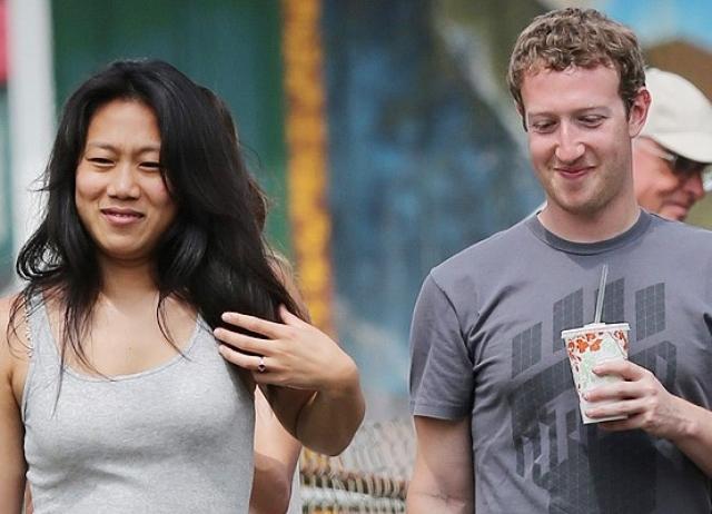 Пара познакомилась в Гарварде, а до свадьбы молодые люди встречались девять лет.