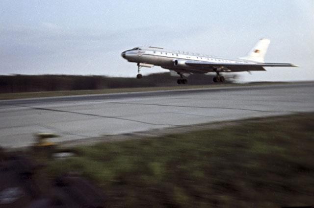 Всего на момент катастрофы борт имел 19 329 часов налета и 8841 посадку.