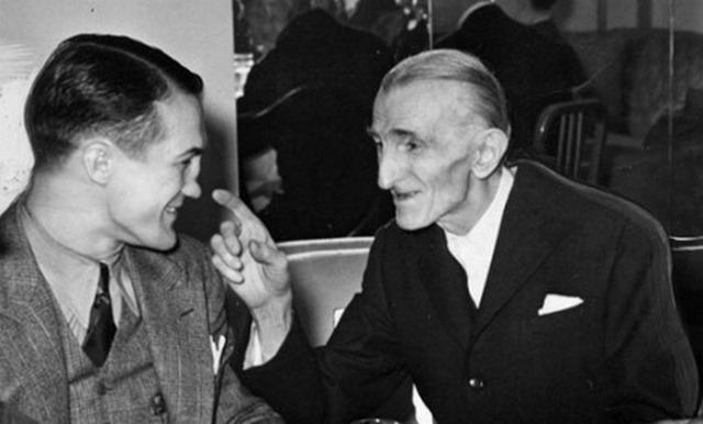 В Европе началась война. Тесла глубоко переживал за свою родину, оказавшуюся в оккупации, неоднократно обращаясь с горячими призывами в защиту мира ко всем славянам.
