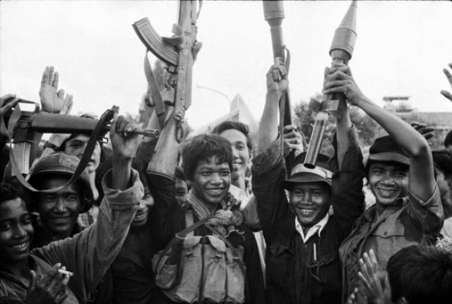 В целях экономии боеприпасов людей убивали молотками, топорами, лопатами или заостренными бамбуковыми палками. При этом палачами были в основном молодые солдаты родом из сельской местности.