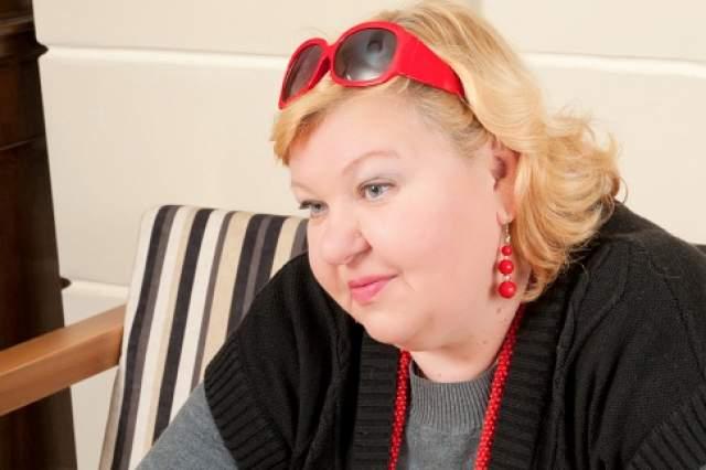 На сегодняшний день Ирина Токарчук сыграла десятки ролей, главных и эпизодических. Всегда, даже появляясь на экранах в кратких фрагментах, она приковывает внимание зрителя своей неординарностью и яркостью.