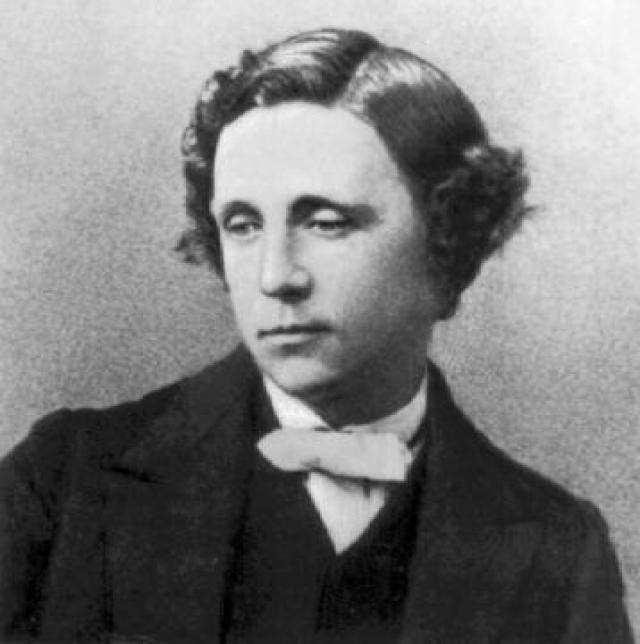 """Льюис Кэрролл - Чарльз Лютвидж Доджсон. Автор """"Алисы в стране чудес"""" взял псевдоним, когда начал писать стихотворения и короткие рассказы, отсылая их в различные журналы."""