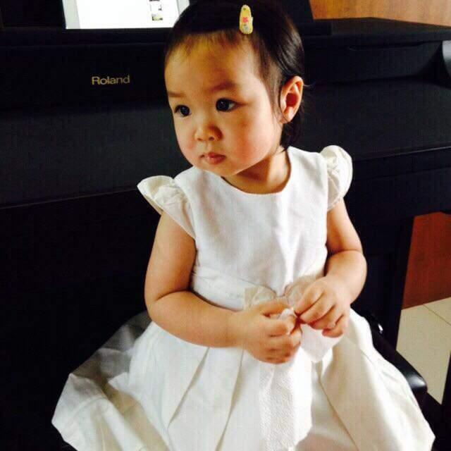 Материн Наоваратпонг. Когда тайской девочке был один год и семь месяцев, врачи обнаружили у нее одну из самых агрессивных форм рака. После 12 операций, 20 курсов химиотерапии и лучевой терапии, врачи признали свое бессилие.