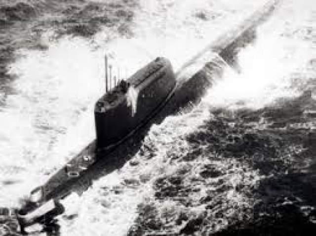 Причина катастрофы неизвестна. Относительно этой аварии существует целый ряд теорий: взрыв на борту, столкновение с лодкой. Но правда так и не была обнародована. Впоследствии К-129 обнаружили американцы и в 1974 году произвели ее подьем.