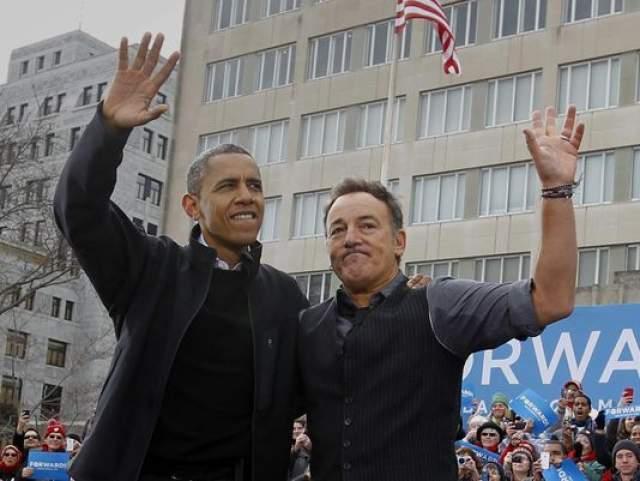 Брюс Спрингстин и Барак Обама. Отметим, что на фото с этим президентом США Спрингстин уже не так счастлив, как с Клинтоном.