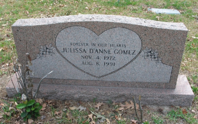 Это повлекло за собой серьезные мозговые нарушения и кататоническое состояние. Семья Джулиссы заботилась о ней в течение трех лет. В 1991 году в Хьюстоне она умерла от инфекционного заболевания в 18-летнем возрасте.
