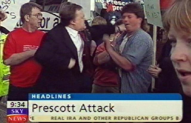 Мистер Прескотт не остался в долгу и ударил простого фермера в лицо.