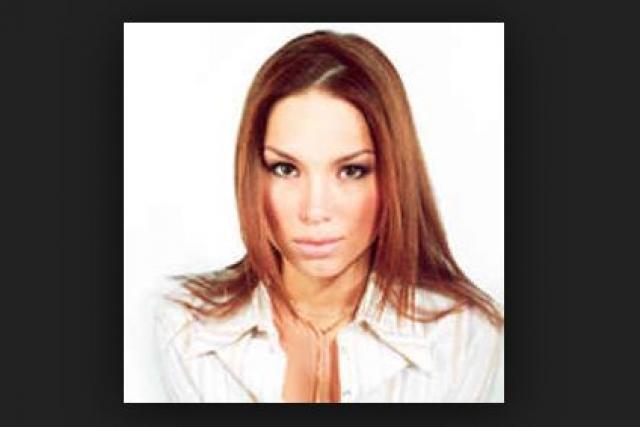 Но творческим амбициям Лены помешал наступивший кризис 1998 года, когда просто не нашлось денег на запись очередного альбома. Сейчас 40-летняя Лена Зосимова - домохозяйка и воспитывает двух сыновей.