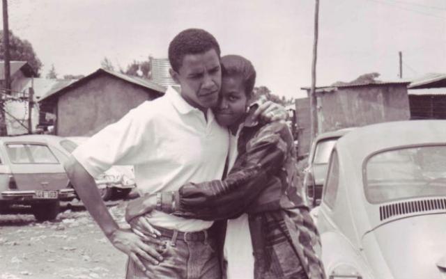 Рост Обамы - 187 см. Рост его жены - 180 см.