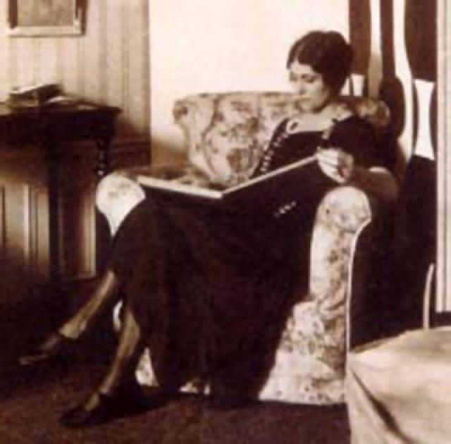 Вскоре с помощью адвокатов имущество было разделено, но с юридической точки зрения развода не было, и Ольга официально до самой своей кончины оставалась женой Пикассо.
