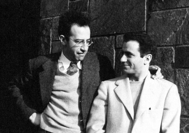 В 1950 году Барр узнал о суде над супругами Розенбергами, с которыми был знаком, и бежал в Чехословакию. Там он получил новое имя Иосиф Берг. В 1956 году Берг с коллегой приехали в СССР, где сыграли важную роль в развитии советской микроэлектроники.