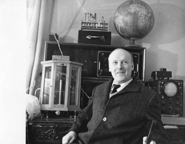 Электронный парамагнитный резонанс. Эффект, который и сейчас широко используется для изучения различных химических и биологических объектов был открыт в 1944 году Евгением Завойским в Казани.
