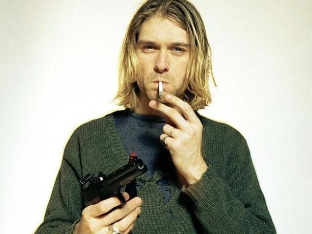 Курт Кобейн. По официальной версии, музыкант покончил с собой 5 апреля 1994 года.