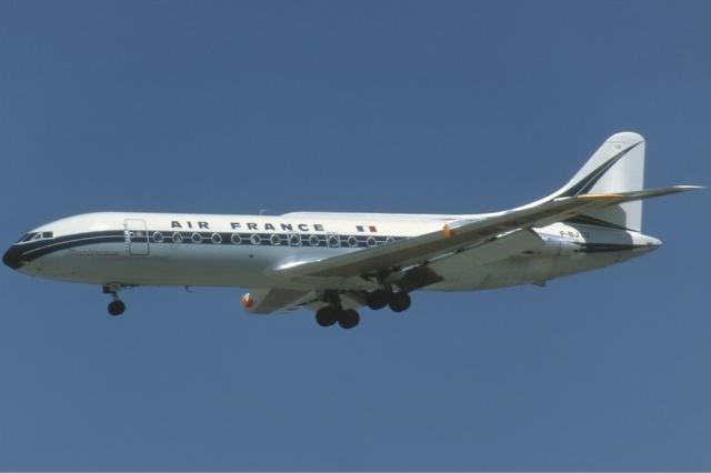 Французский SE-210 Caravelle III над Ниццей. Лайнер принадлежал авиакомпании Air France. Полет проходил 11 сентября 1968 года в стандартном режиме до тех пор, пока экипаж не сообщил о неожиданном возгорании.