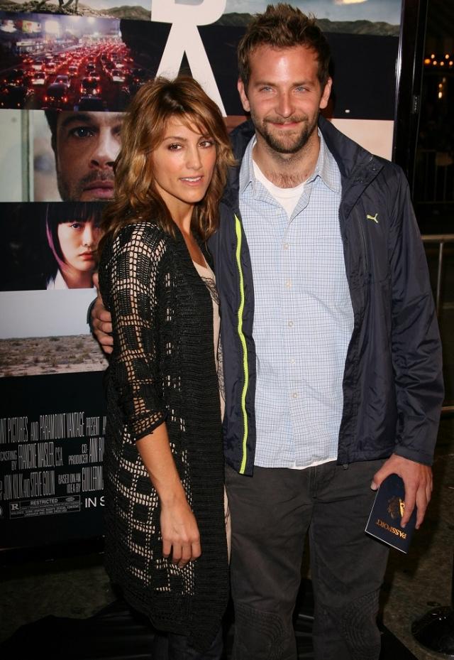 Дженнифер Эспозито. Американская актриса и танцовщица итальянского происхождения в 2007 году стала женой всеми обожаемого Брэдли Купера.