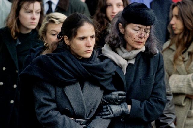 Связь с Анн Пенжо Миттеран поддерживал до самой смерти, и о ее существовании знали практически все, включая жену Президента.