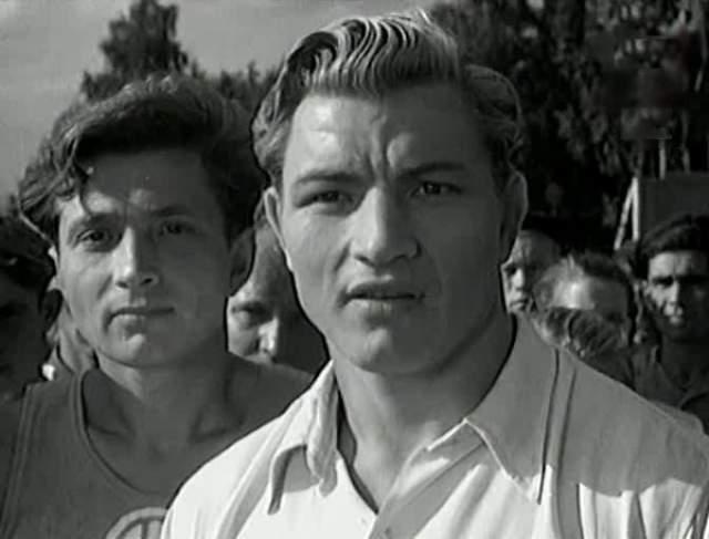 От чемпиона небольшого городка Алексей прошел по всем крупным союзным соревнованиям и завершил карьеру борца-классика с четырьмя призовыми местами чемпионатов СССР.