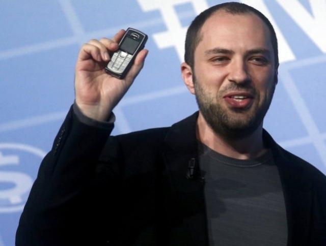 Кум стал думать над созданием WhatsApp, когда в зале, где он занимался боксом, запретили пользоваться мобильными телефонами. Его злило, что он пропускает важные звонки.