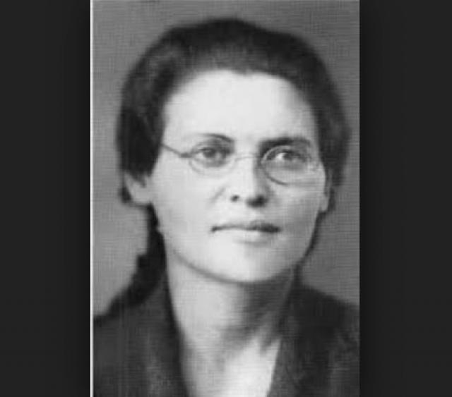 Зинаида Волкова. Первая дочь Льва Троцкого покинула Россию в 1930 году, но и в чужих краях долгйо и счастливой жизни не получилось.