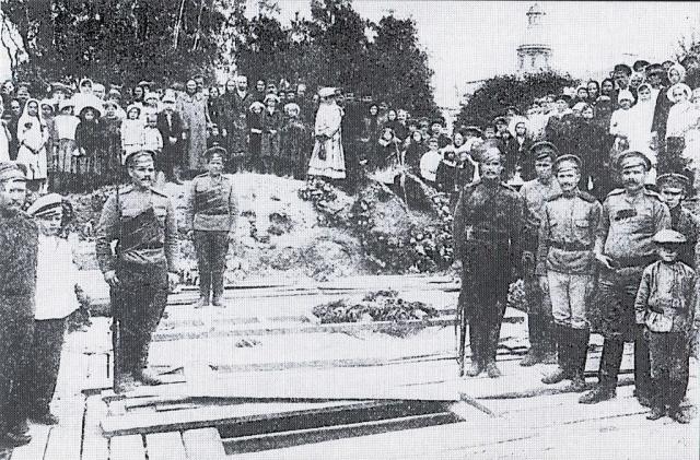 Продуманный, но не удавшийся переворот, большевики затем всеми силами хотели предать забвению, а Временное правительство постаралось избежать расследования событий.