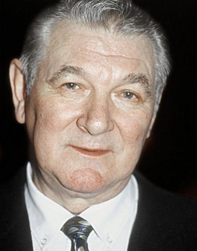 Александр Белявский (1932-2012). Народный артист погиб 8 сентября 2012 года в центре Москвы, выпрыгнув из окна своей квартиры.