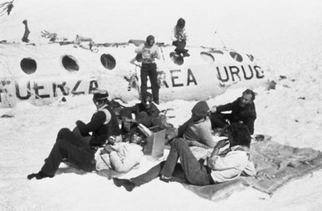 Из 40 пассажиров и 5 членов экипажа 12 погибли при катастрофе или вскоре после неё; затем ещё 5 умерли на следующее утро.