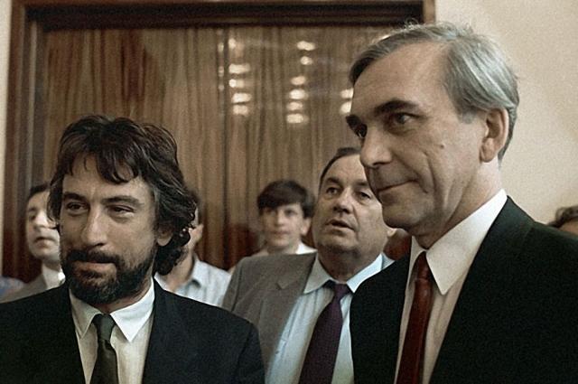 Роберт Де Ниро, Эльдар Рязанов, Элем Климов на XV Международном кинофестивале. 1987 год