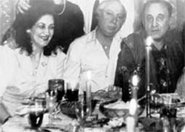 К 1987 году Ободзинский полностью ушел со сцены, развелся с женой и жил в гражданском браке с одной из поклонниц. Работал сторожем на галстучной фабрике, профессиональным пением не занимался, страдал алкоголизмом.