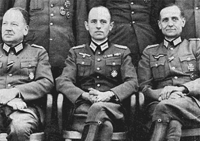 """Кстати, американский закон категорически запрещал иммиграцию членов нацистской партии в США, в то время, как более трети специалистов, о которых шла речь, были ярыми приверженцами нацистов"""", - из материалов по операции """"Скрепка""""."""