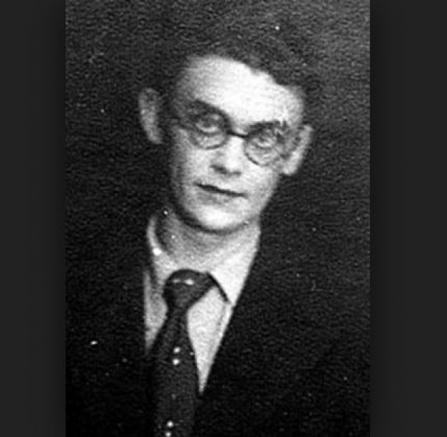 """По его окончании Леонид был взят в штат режиссером на киностудию """"Мосфильм"""". Уже в 1956 году вышел его первый фильм - """"Долгий путь""""."""