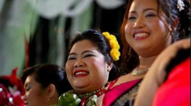 """Мисс """"Слониха"""" Конкурс проводится в Тайланде и имеет два социальных посыла: привлечение внимания к проблеме исчезновения слонов и расширение границ стандартов красоты."""