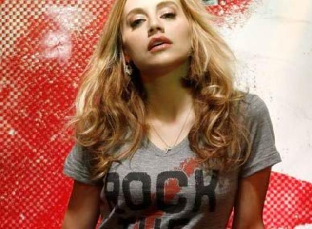 Бриттани Мерфи. Актриса провела 2009 год в напряженной работе: снималась сразу в нескольких фильмах, была вокалисткой музыкальной группы, собиралась озвучивать мультфильм...