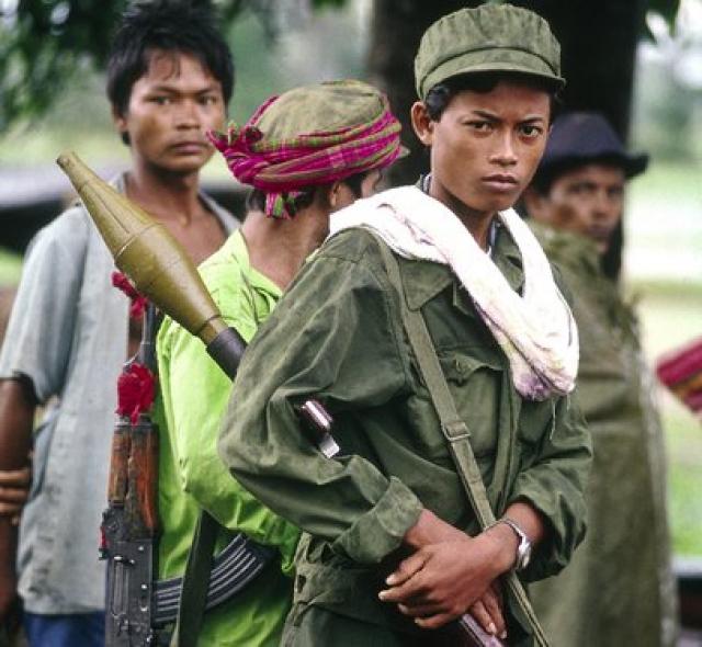 """В 1998 году после смерти диктатора Пол Пота движение продолжило существовать. Еще в 2005 году отряды """"красных кхмеров"""" активно действовали в нескольких провинциях Камбоджи."""