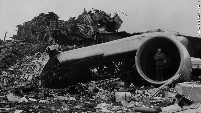 "Командир ""Пан Американ"", обнаружил приближающиеся огни Боинга КЛМ за 700 метров до него."