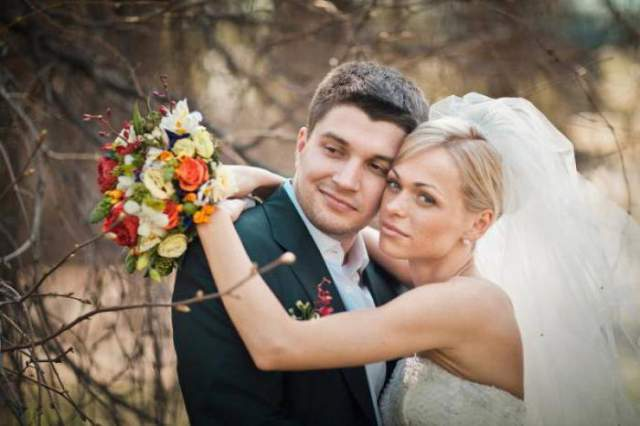 """Анна Хилькевич и Антон Покрепа. Брак актрисы и администратора сериала """"Барвиха"""" не выдержал и полугода."""